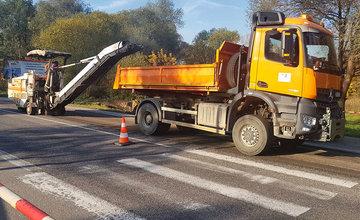 FOTO: Rekonštrukcia vozovky pri Kysuckom Novom Meste začala, dopravu presmerujú po starej ceste