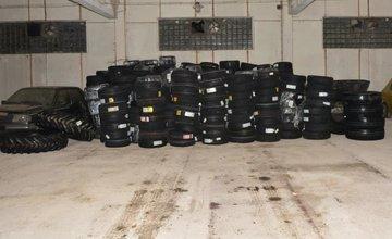 Zásah polície v súvislosti s daňovou trestnou činnosťou pri predaji pneumatík