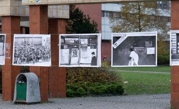 FOTO: Výstava Nežná revolúcia - žilinské fotodokumenty a symboly