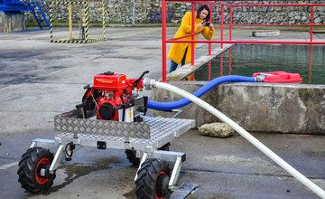Prezentácia českých hasičov v Žiline na tému efektívneho hasenia požiarov