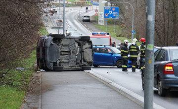 FOTO: Dopravná nehoda troch vozidiel na Rosinskej ceste v Žiline 29.11.2019