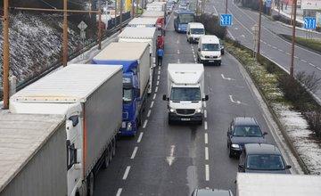 FOTO: Štrajk autodopravcov na Košickej ulici v Žiline