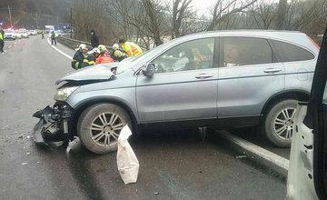 FOTO: Dopravná nehoda v Kraľovanoch dnes odstavila premávku na frekventovanom cestnom ťahu