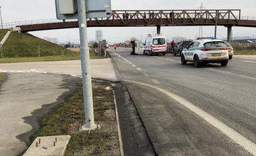 FOTO: Pri Tepličke nad Váhom došlo k dopravnej nehode, cesta je uzavretá