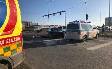 FOTO: V Martine došlo k dopravnej nehode, po ktorej skončilo auto v rieke Turiec