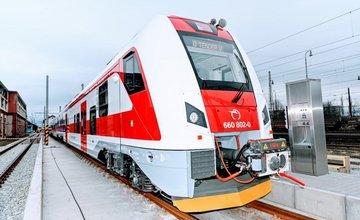 FOTO: ZSSK predstavila novú elektrickú jednotku Panter