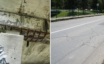 FOTO: Dva mosty na sídlisku Vlčince sú v zlom technickom stave, praská už aj vozovka