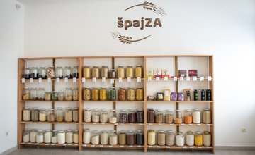 Bezobalový obchod špajZA v Žiline