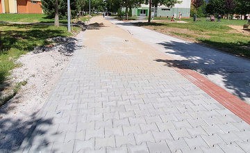 FOTO: Na sídlisku Solinky prebieha výstavba novej cyklotrasy, ktorá povedie do centra mesta