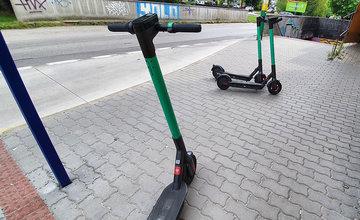 FOTO: V Žiline pribudlo 146 zdieľaných elektrokolobežiek, maximálnu rýchlosť obmedzili na 20 kmh