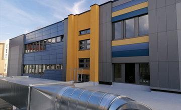 FOTO: Rekonštrukcia budovy Strednej zdravotníckej školy v Liptovskom Mikuláši