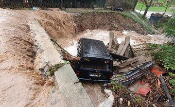 FOTO: Silná búrka zasiahla najviac obce Veľké Rovné a Kolárovice