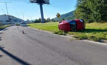 FOTO: Na vjazde do Žiliny od Terchovej havaroval 67-ročný vodič, pri kontrole nafúkal 2,56 promile