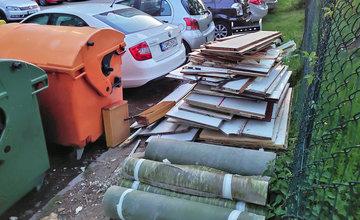 FOTO: Skládky nadrozmerného odpadu na žilinských sídliskách