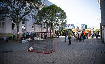 FOTO: Parking day 2020 - v Žiline uzatvorili na tri hodiny časť Štefánikovej ulice pre autá