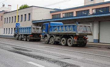 FOTO: Na ulici Hálkova v centre mesta sa dnes začala rekonštrukcia cesty