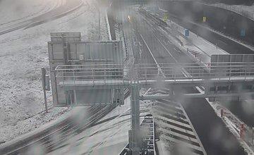 FOTO: Polícia upozorňuje vodičov, v Žilinskom kraji sa objavil prvý sneh
