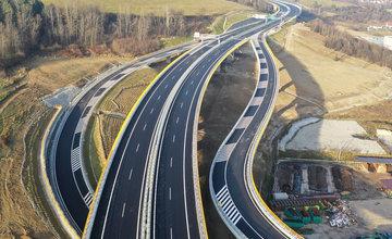 FOTO: Diaľničný úsek D3 Čadca, Bukov - Svrčinovec začnú motoristi využívať v najbližších dňoch