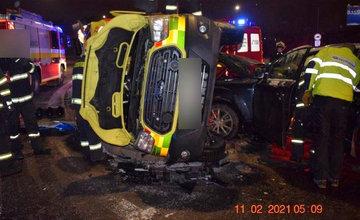 FOTO: Dopravná nehoda sanitky a osobného auta na ulici Košická v Žiline 11.2.2021