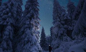 FOTO: Nočná a zasnežená Malá Fatra očami Patrika Vavroviča