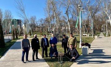 FOTO: Vysadenie Stromu pokoja v Uzbekistane