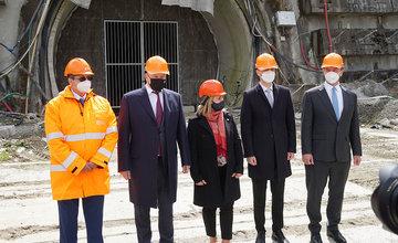 FOTO: Podpis zmluvy s novým zhotoviteľom diaľnice D1 pri Žiline vrátane tunela Višňové