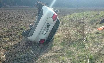 FOTO: Na Orave došlo k zrážke dvoch osobných áut, zranilo sa sedem osôb, zasahuje vrtuľník
