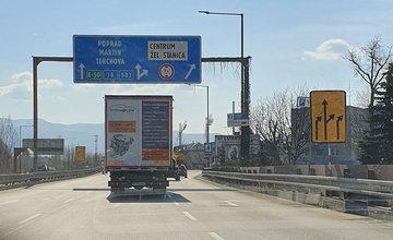 FOTO: Na Ľavobrežnej ulici začali celoplošné opravy, prebieha aj obnova značenia a výmena zvodidiel
