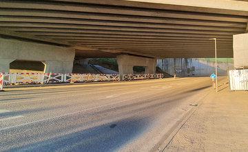 FOTO: Rozširovanie napojenia na diaľničný privádzač pri kruhovom objazde Solinky