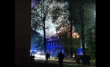 FOTO: Na Bratislavskej ulici v Žiline došlo k požiaru bytovky, na mieste už zasahujú hasiči