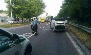 FOTO: Dopravná nehoda štyroch vozidiel na ceste prvej triedy pri Žiline