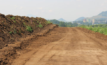 FOTO: Na Orave začala výstavba 5,5 kilometrového úseku rýchlostnej cesty, nový obchvat odľahčí Tvrdošín