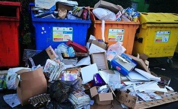 FOTO: Problémy s odvážaním separovaného odpadu v Žiline