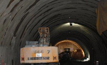 Diaľničný tunel Ovčiarsko