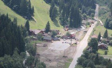 Letecké zábery z Vrátnej doliny - z kopcov strhlo povrchové vrstvy