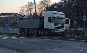 Nehoda kamiónu smerom na Rondel