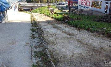 Oprava chodníkov na Hájiku
