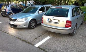 Parkovanie na Jaseňovej ulici - sídlisko Solinky
