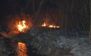 Požiar trávnatých porastov v Trnovom v sobotu 8.marca 2014