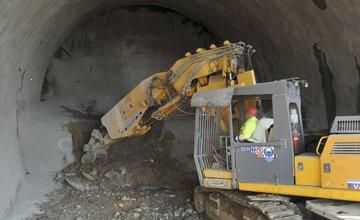 Razenie tunela Svrčinovec na diaľnici D3