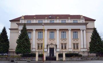 Stará uhorská banka na ulici Legionárska