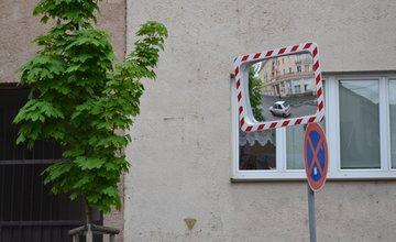 Dopravné zrkadlo na ulici Republiky