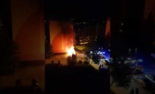VIDEO: Na sídlisku Hájik práve zhorelo ďalšie osobné auto