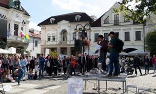 VIDEO: Príhovor nemeckých hostí na klimatickom štrajku v Žiline 20. septembra 2019