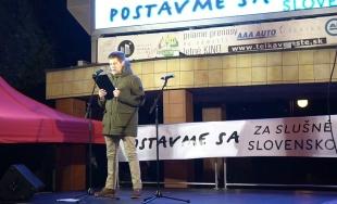 VIDEO: Príhovor za farmárov na zhromaždení Za slušné Slovensko predniesol lesník Filip Kopták