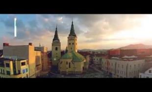 Fakulta riadenia a informatiky na Žilinskej univerzite predstavuje možnosti v novom videu