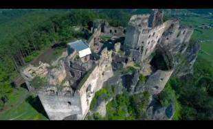 Letecký pohľad na hrady v okolí Žiliny