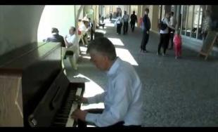 Verejný klavír v Žiline a prvé video na YouTube