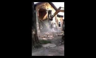 Video z búrania bytovky na Bratislavskej ulici
