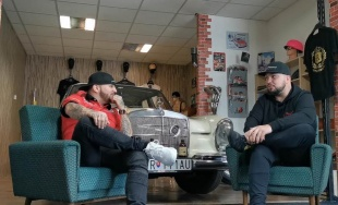 """VIDEO: Dvaja automobiloví nadšenci zo Žiliny rozbiehajú vlastnú reláciu s názvom """"Do otáčok"""""""